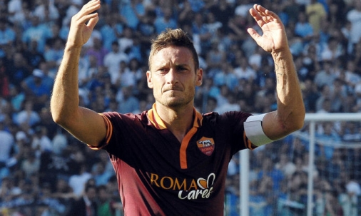FRANCE FOOTBALL CELEBRA FRANCESCO TOTTI